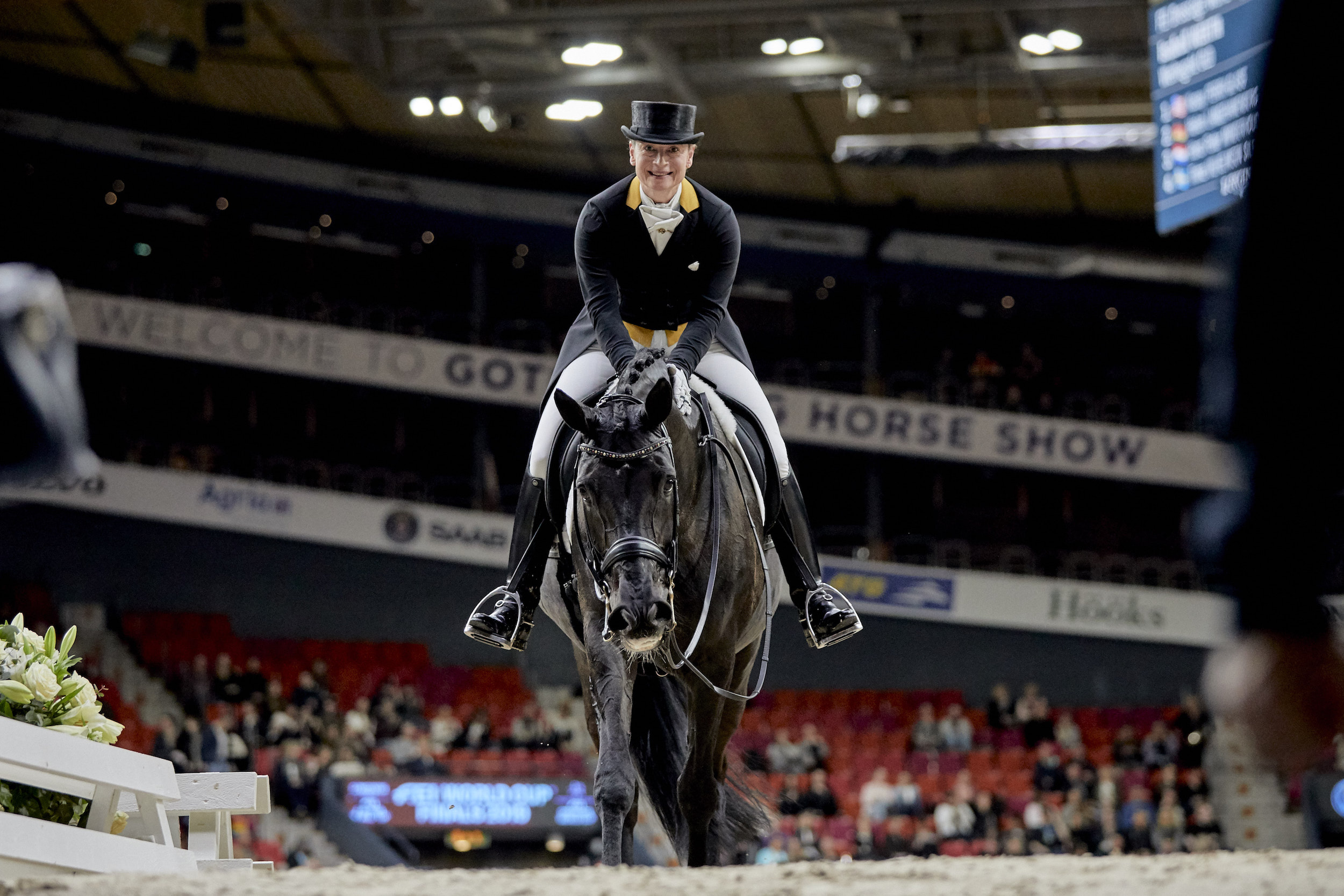 Isabell Werth & Weihegold OLD wins the Grand Prix at the 2019 FEI World Cup Dressage Finals